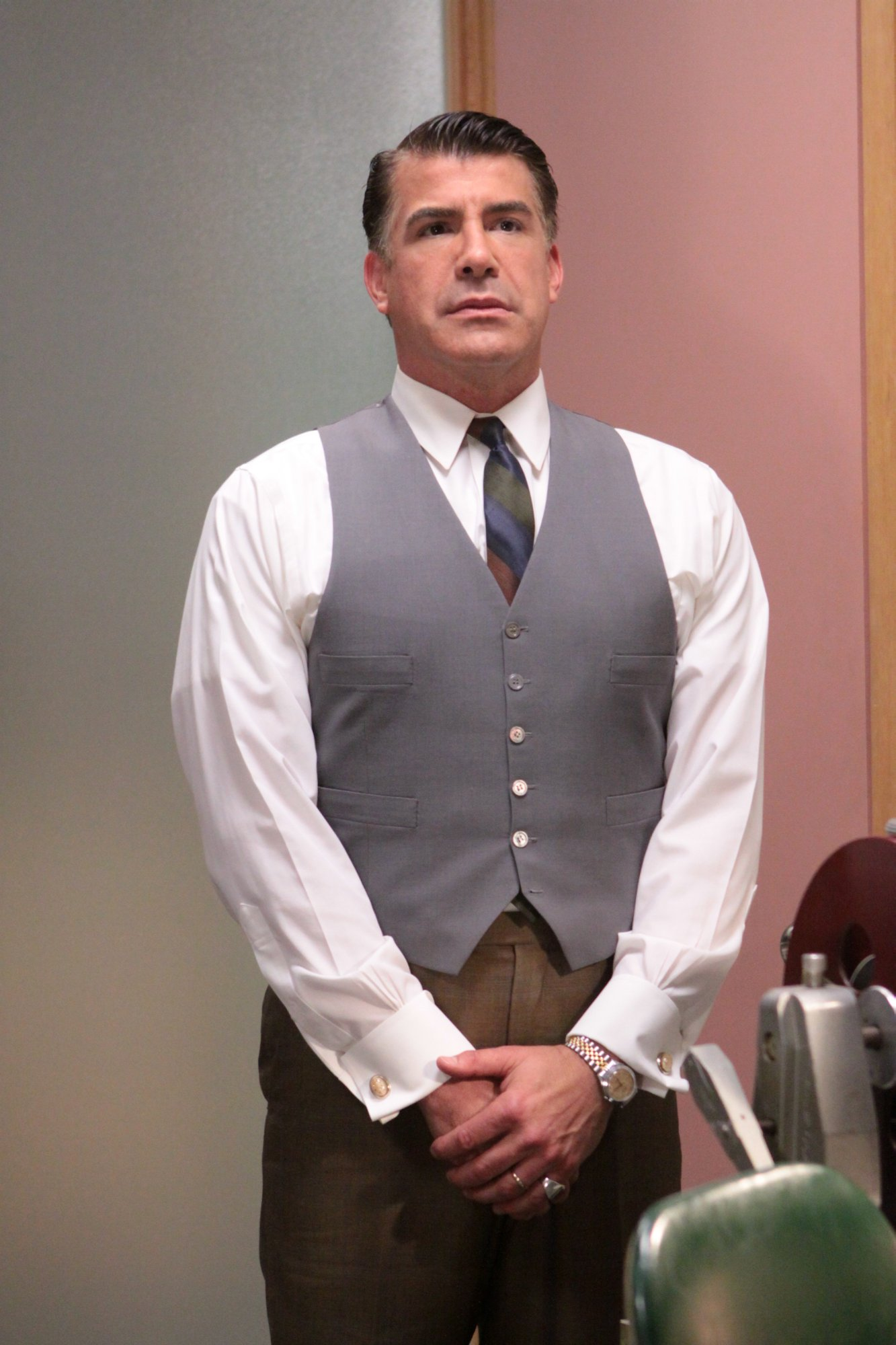 mad-men-03x09-wee-small-hours