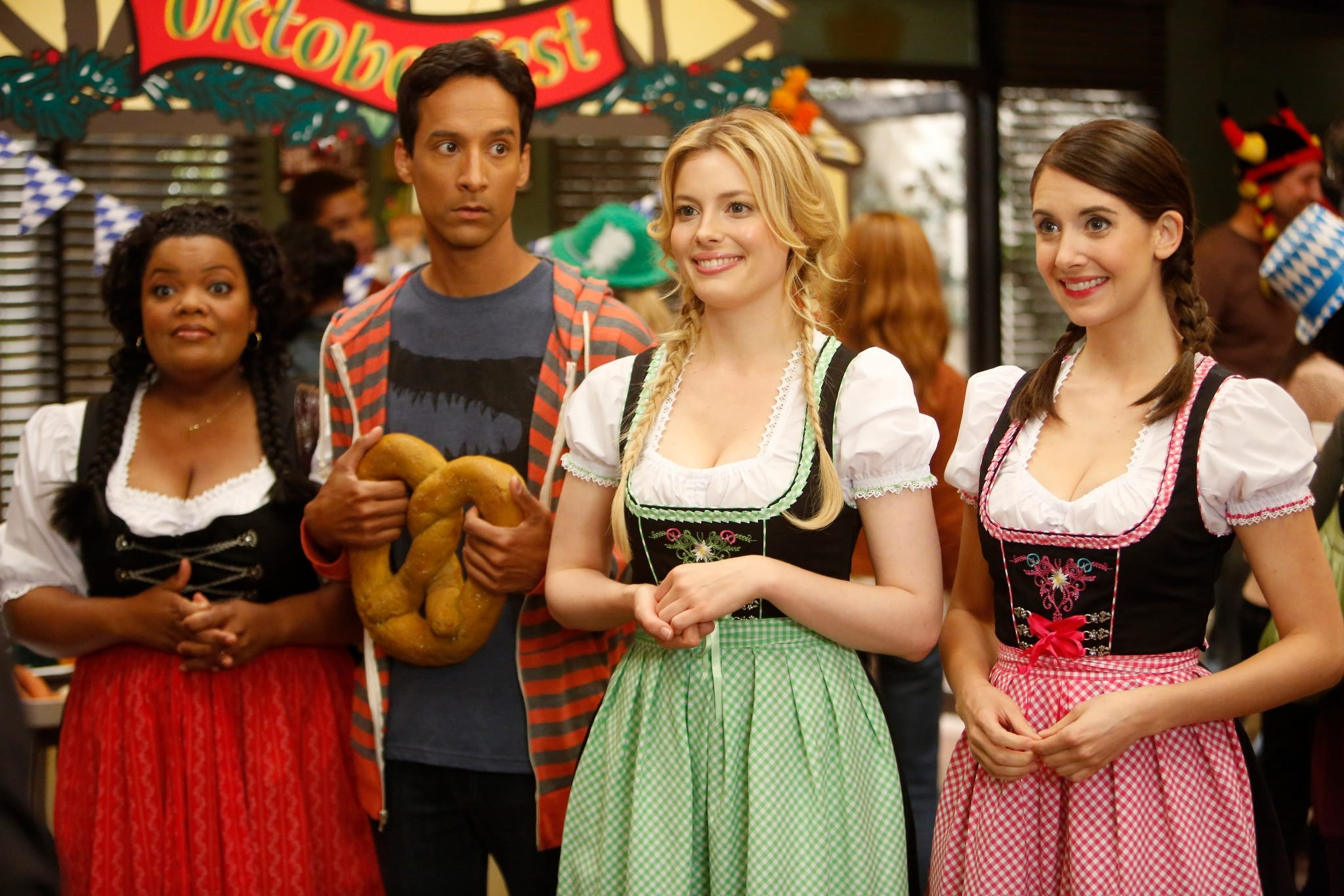 Community - 04x04 - Alternative History of the German Invasion