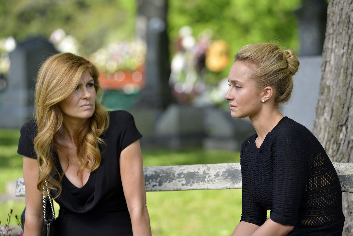 Nashville - 01x21 - I'll Never Get Out of This World Alive