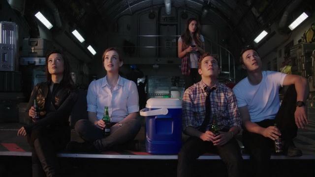"""""""זו בירה אלוהית."""" """"כן, זיקקנו אותה מהזיעה של ת'ור."""""""