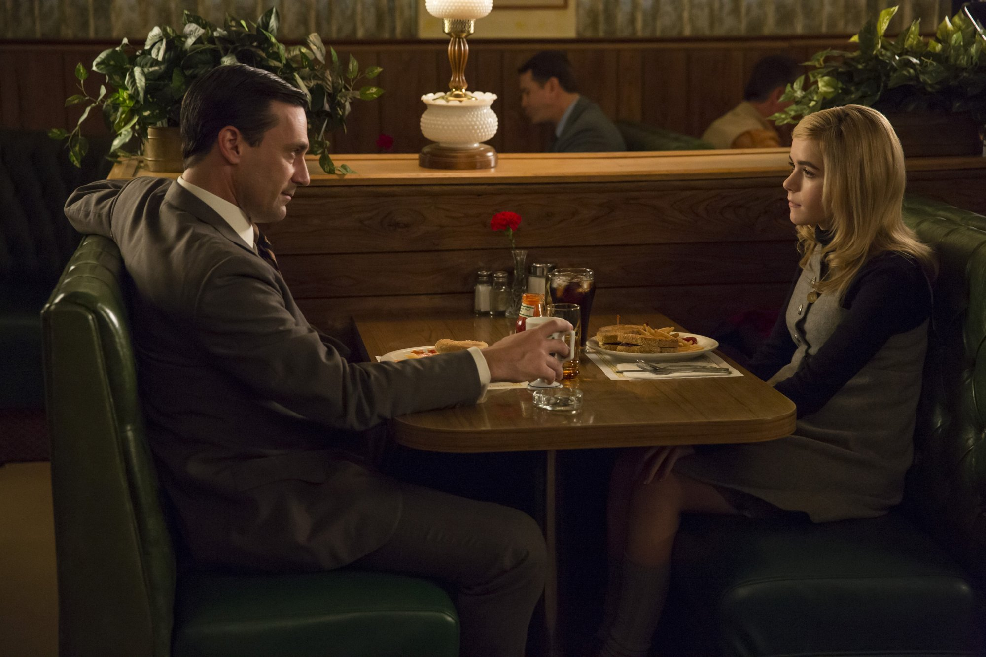 Mad Men 07x02 - A Day's Work 03