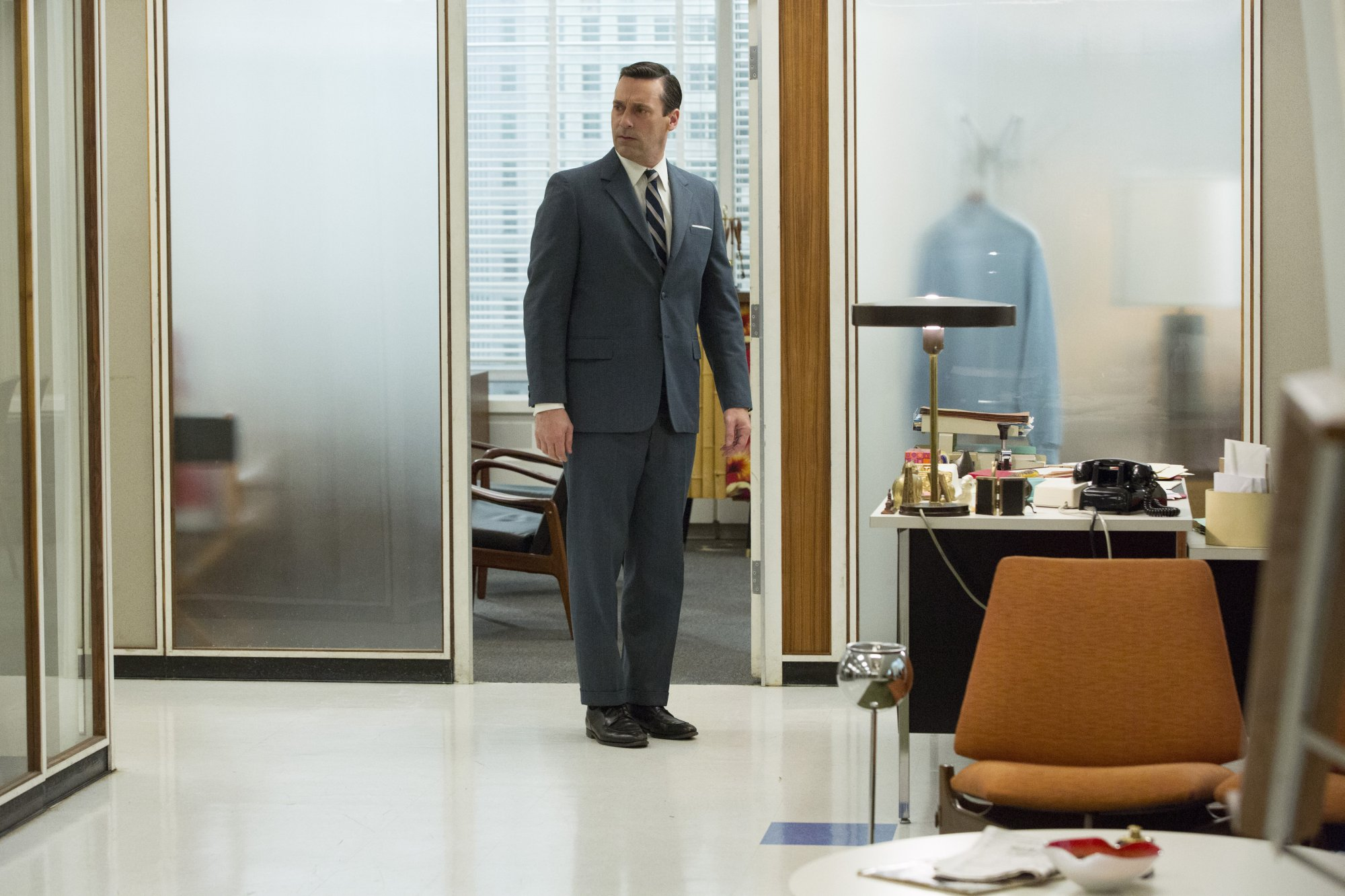 Mad Men - 07x04 - The Monolith 01