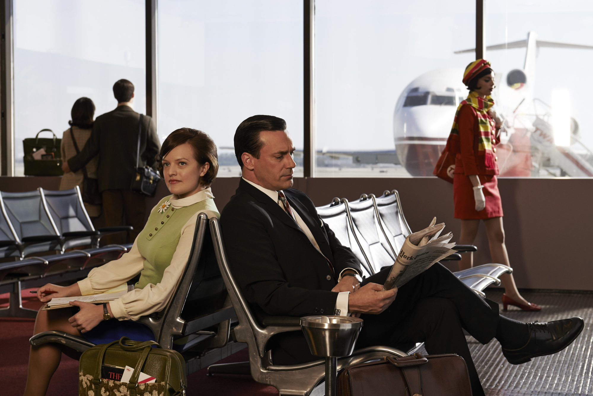 Mad Men_Int_Terminal_Jon_Elisabeth_2274_2289_V1