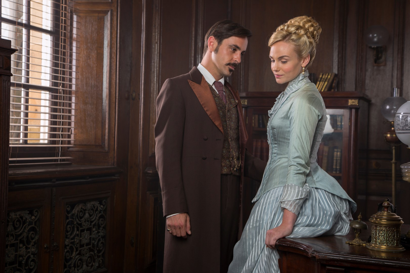Picture shows: Moray (EMUN ELLIOTT) and Denise (JOANNA VANDERHAM)